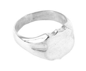 Shield ring in sterling silver - $200