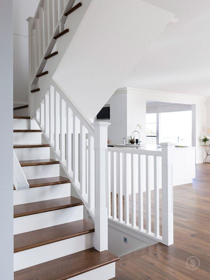Mejores 66 im genes de escaleras con barandilla de madera - Escaleras blancas ...