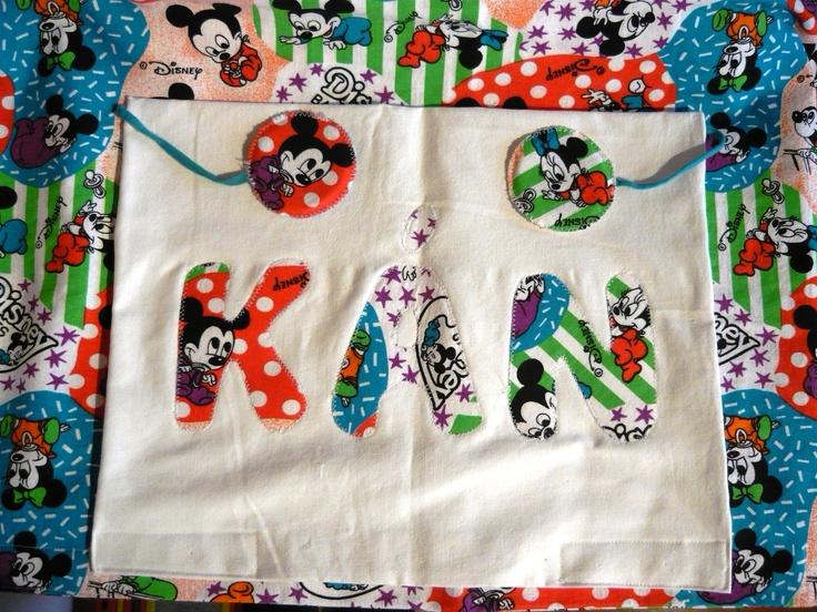 Kids bed linen - Funny pillowcase with name appliqué and a toy to help sleeping and a matching blanket/ Neves párnahuzat, amelybe alvós játék is van varrva, a hozzáillő paplanhuzattal (www.mammba.hu)