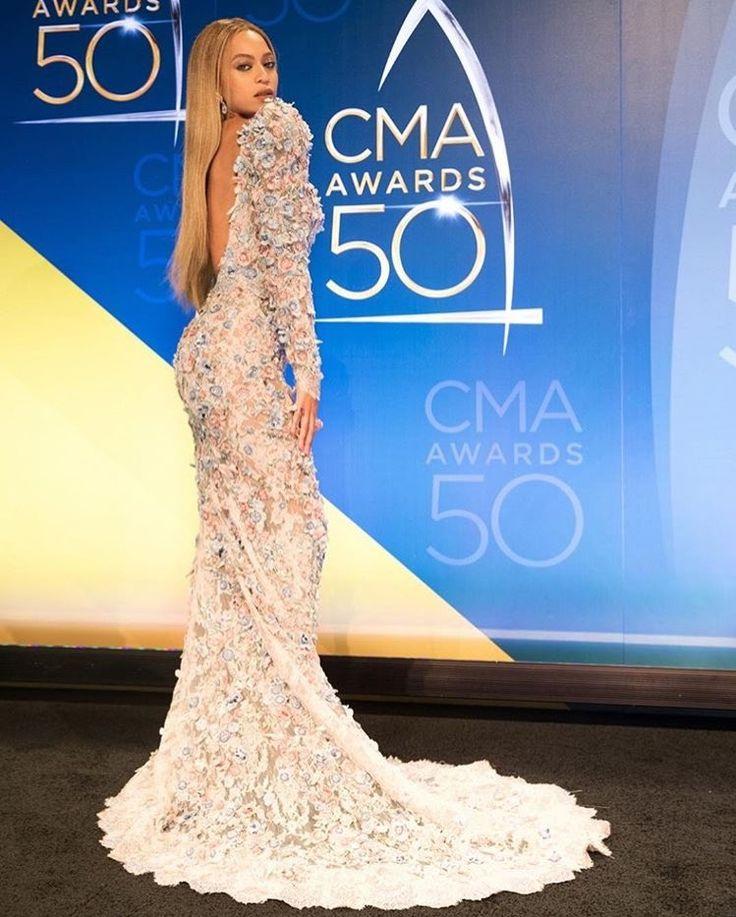 Beyoncé actúa por sorpresa en premios de música country - http://www.notiexpresscolor.com/2016/11/03/beyonce-actua-por-sorpresa-en-premios-de-musica-country/