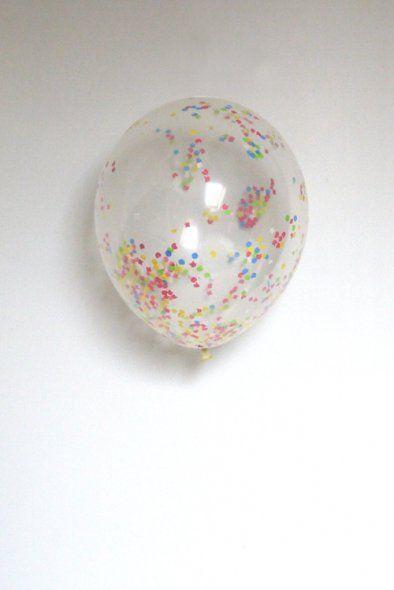 Transparante Ballon met confetti Deze ballonnen zijn gemaakt van natuurlijke latex. 6 ballonnen per verpakking, afmeting 30 cm www.glorioussweets.com