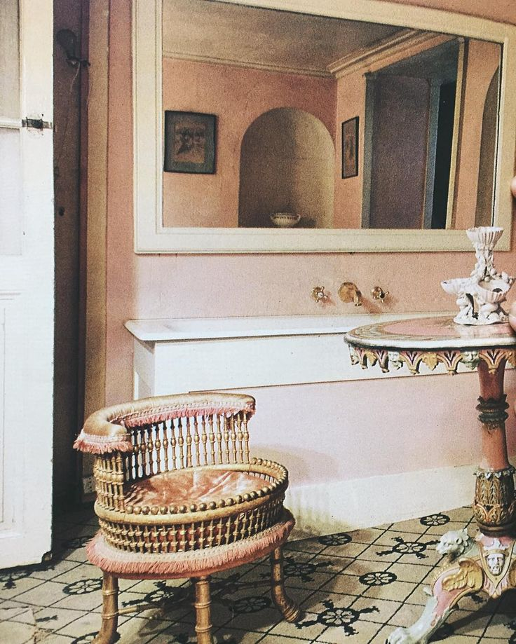 in love with vanity chair. Pale pink perfection in Castaing's bathroom. World of Interiors, May 1986.