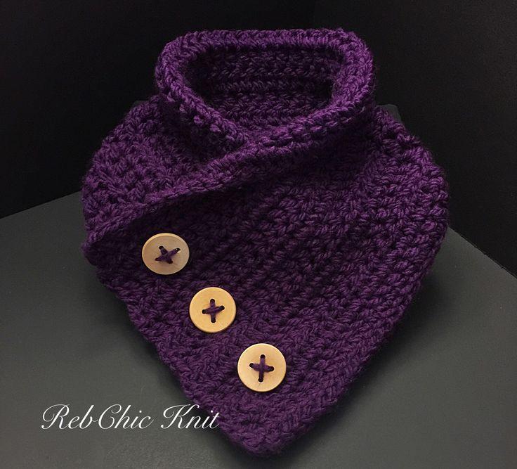 Le chouchou de ma boutique https://www.etsy.com/ca-fr/listing/254850718/foulard-collet-avec-boutons-en-bois