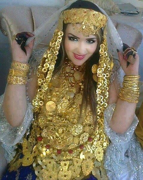 """traditionel clothes in tunisia """" zarzis  <3<3"""