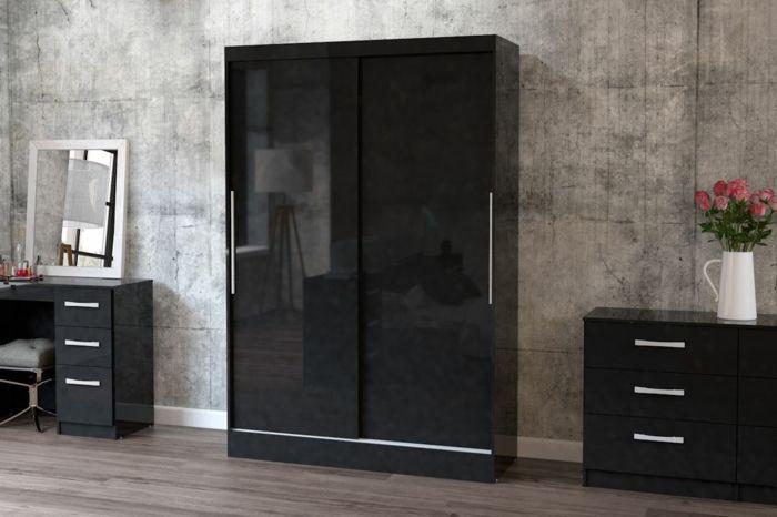 kleiderschrank schwarz wohnideen schlafzimmer schiebetüren glänzende frontseite