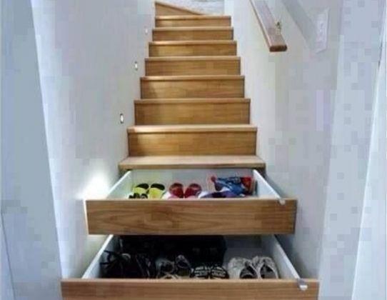 Les 43 meilleures images propos de escaliers stairs - Tiroir dans escalier ...
