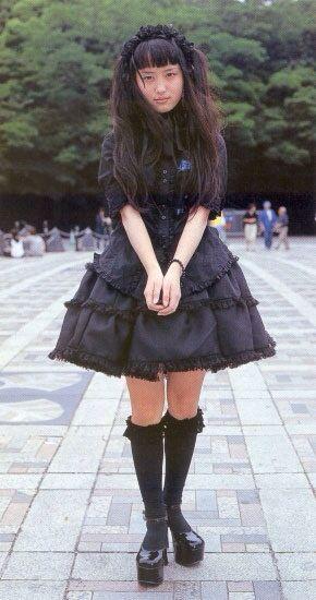 Old school Kuro/black lolita