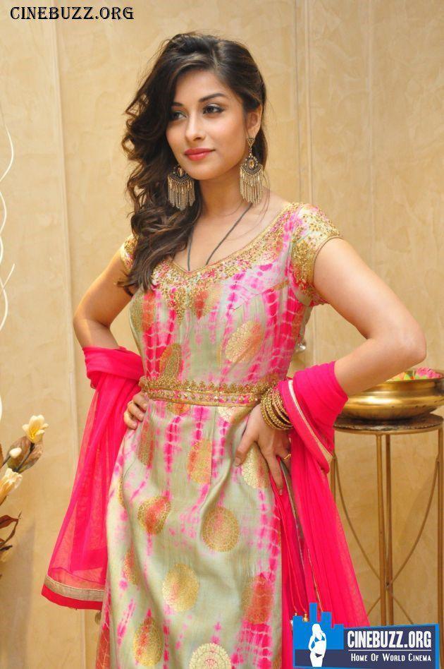 Nyra Benerjee Latest Hot and Sexy Stills #bollywood #tollywood #kollywood #sexy #hot #actress #tollywood #pollywood