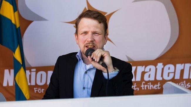 حزب نژادپرست دموکراتهای ملی به نفع حزب دموکرات های سوئد منحل شد