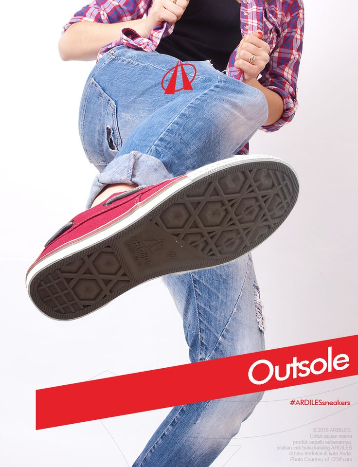 Outsole adalah bagian paling bawah dari sepatu yang bersentuhan langsung dengan tanah. Biasanya desain outsole bertekstur seperti waffle dan bergerigi. Ciri outsole yang baik adalah memiliki daya cengkram (grip), daya tahan (durabilitas) dan tahan air. Bahan pembuat outsole biasanya merupakan gabungan dari beberapa bahan untuk menyesuaikan model, warna dan fungsi yang diinginkan. Bahan yang umum digunakan antara lain ada yang berbasis plastik, karet dan spons.