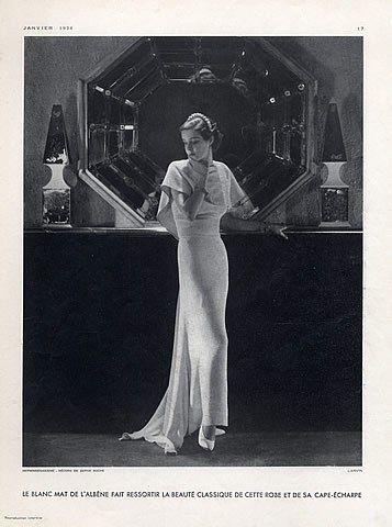 Jeanne Lanvin 1934 Evening Gown Cape-Scarf Decorative Arts Serge Roche par George Hoyningen-Huene | Hprints.com