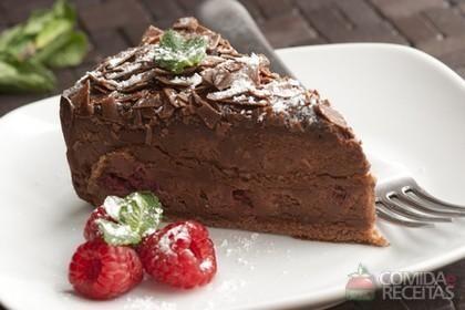 Receita de Torta trufada de chocolate em receitas de tortas doces, veja essa e outras receitas aqui!