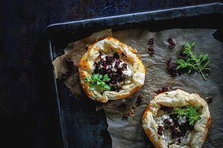 na krachym spodzie: Sun Dried Tomatoes, Bez Mięsa, Krachym Spodzie, Puff Pastries, Ivy Journal, Food Styling, Favorite Recipes