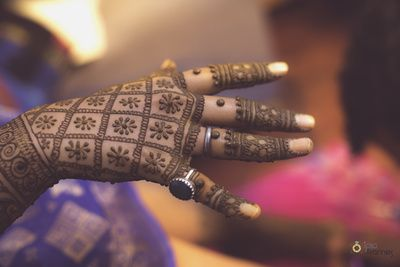 Indian Wedding Ideas & inspiration   Mehendi Designs Mehendi Designs - Beautiful Modern Intricate Mehendi Hand Design with Bride and Groom Caricatures | WedMeGood #mehendidesign #mehandi #henna #indianbride #indianhenna #bride #bridal