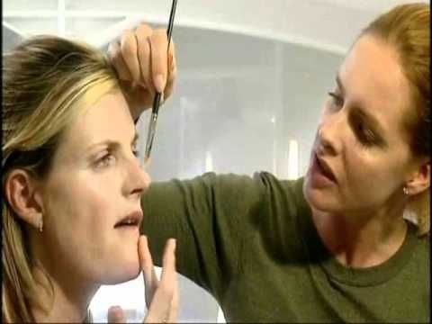▶ What Not To Wear Trinny Woodall Susannah Constantine The Rules 2003 7/8 - YouTube