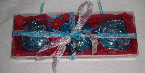 Luxury Christmas Handmade Gift Set in Red Velvet Color very nice decorated containing 3 small light blue Scented Soaps in ocean perfume.