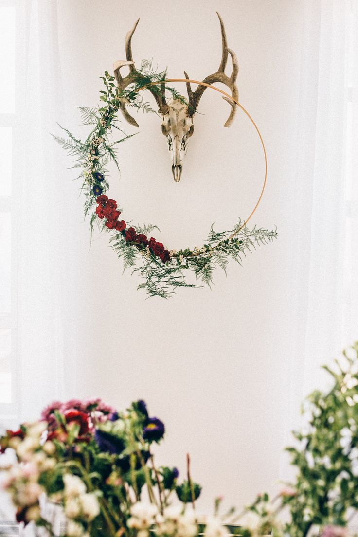 afternoon tewedding theme ideas%0A Hanging Floral Hoops  A Tutorial With Alaska Knit Nat       Wedding Trends Decor