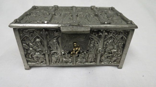 Gothic jewelry boxes jewelry boxes stands and for Jewelry box with key