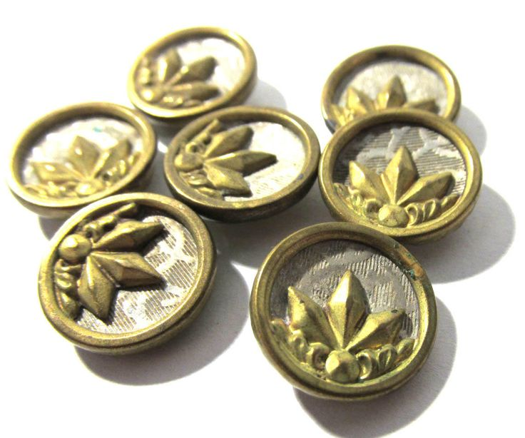 "Victorian Buttons Seven (7) ANTIQUE Victorian Wallpaper Buttons Brass Silver 9/16"" Vintage Jewelry Wedding Costume Sewing Supplies (D286) by punksrus on Etsy"