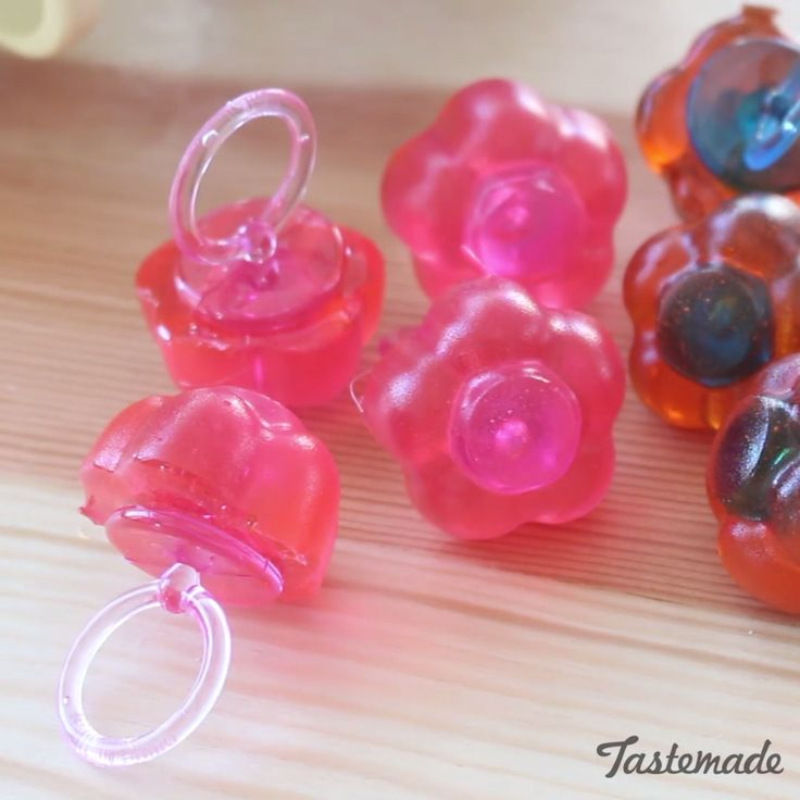 Whip up these fun, nostalgic and delicious ring pops at home!