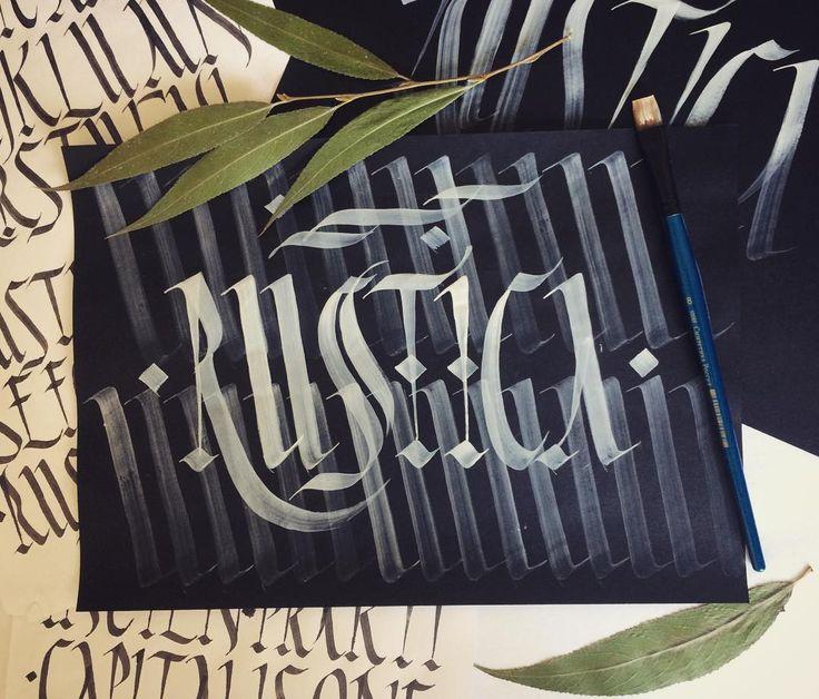 RUSTICA. Beautiful calligraphic font