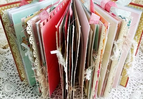 How to make junk journals, including what supplies to use, techniques and tutorials for binding, and lots of inspiration.