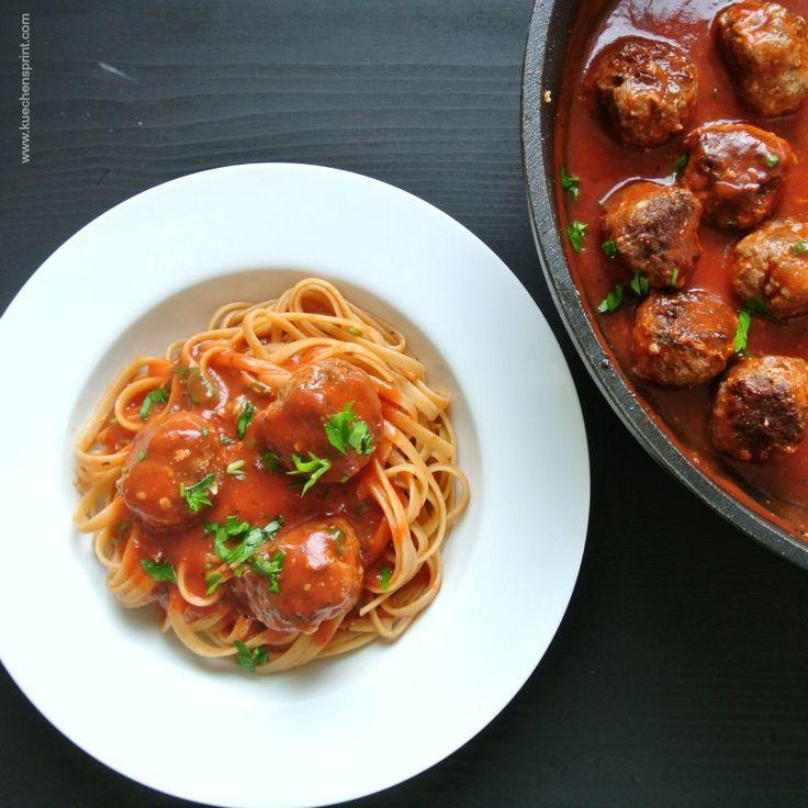 Futter für die Seele und in nur 30 Minuten auf dem Tisch: Spaghetti mit Fleischbällchen.  #Rezept #Pasta