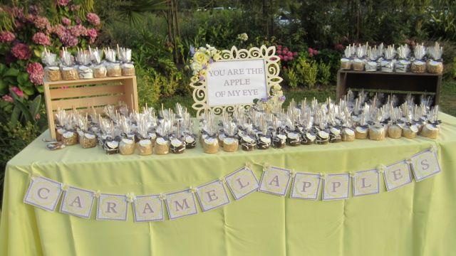 Caramel Apples and caramel pretzels- YUM: Wedding Ideas, River House, Caramel Pretzels, Caramel Apples