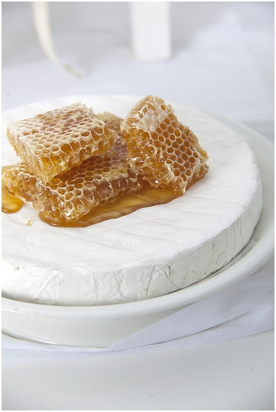 "Fresh honeycomb, sliced Granny Smith apples, slivers of white cheese....terrific appetizer A pinner: ""learned this @Savannah Hall Hall Bee Company!"":"