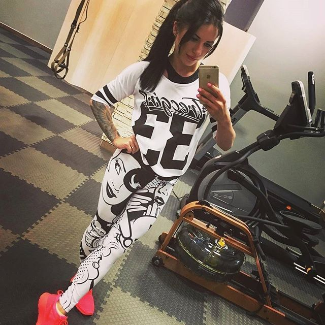 Gotowe na trening? :) / Ready for your workout?  #trecgirl #fitness #instafit #fitstagram #fitnessmotivation #gymmotivation #motywacja #motivation #fashion #moda #stylizacja #stylizacje #streetfashion #fitnessfashion #pumpy #legginsy #leggings #leginsy #gymwear #sportswear #gymclothes #gymclothing #selfie #polishgirl #instapic #picoftheday #fitness #casual #trecwear #stylisation @bembenikklaudia @trecwear @trecnutrition