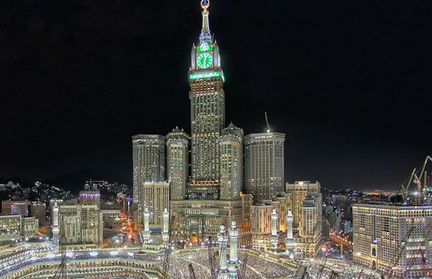 حجز فندق بولمان زمزم مكة Mosque Clock Tower Empire State Building