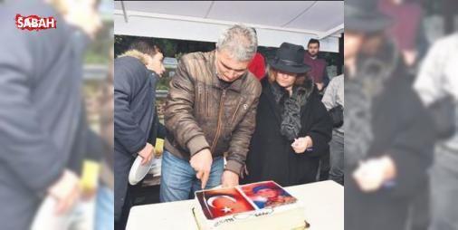 Şehide kabri başında doğum günü kutlaması : Fetullahçı Terör Örgütü/ Paralel Devlet Yapılanmasının (FETÖ/PDY) 15 Temmuzdaki darbe girişimi sırasında İstanbuldaki 15 Temmuz Şehitler Köprüsünde 21 yaşında şehit olan Batuhan Ergin doğum gününde...  http://www.haberdex.com/magazin/Sehide-kabri-basinda-dogum-gunu-kutlamasi/103497?kaynak=feed #Magazin   #Temmuz #doğum #Şehitler #İstanbul #sırasında