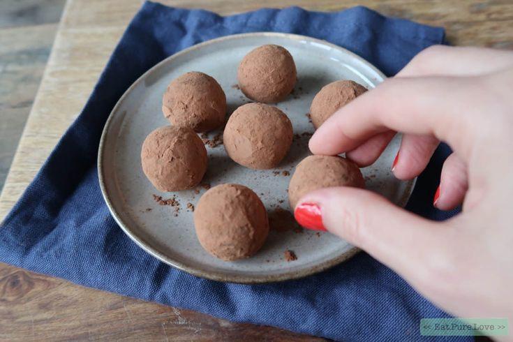 Dit recept voor pepernoten bliss balls maak je met slechts 6 ingrediënten, is ook nog eens binnen no time klaar en is een gezonde variant. Need I say more? www.eatpurelove.nl #eatpurelove #blissballs #pepernoten #Sinterklaas