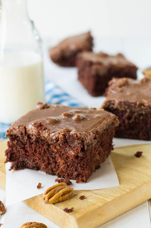 chocolate buttermilk cake with frosting chocolate buttermilk cake ...