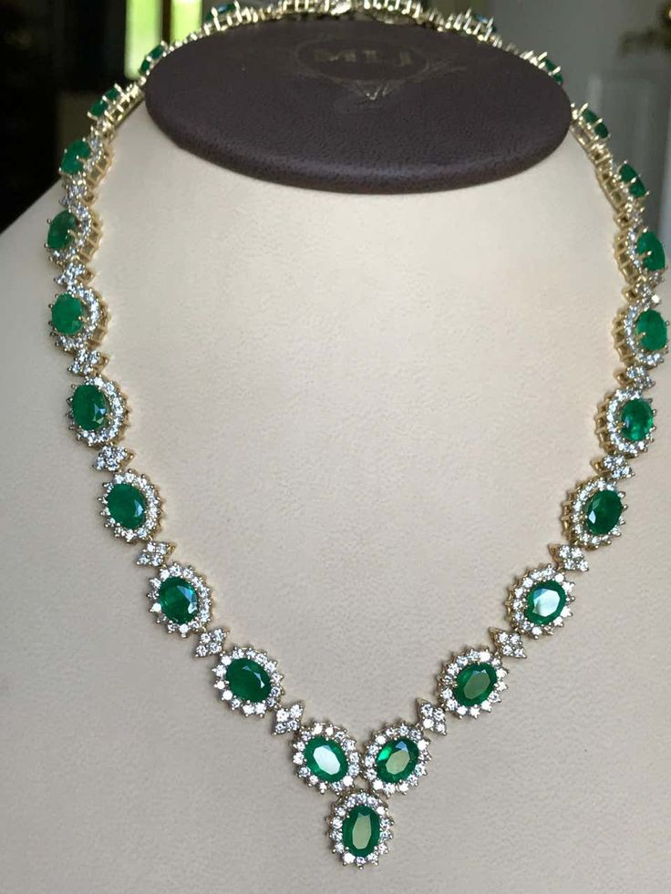 1stdibs – 70 Ct Oval Shape & 25 Carat Necklace Earring Bridal Suite Diamond,emerald 14K Gold