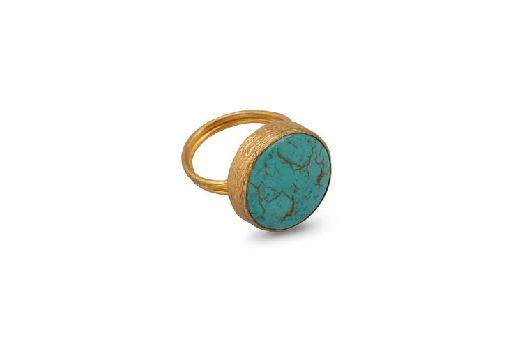 Δαχτυλίδι από επιχρυσωμένο μπρούντζο και ημιπολύτιμη τουρκουάζ πέτρα.