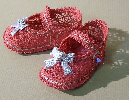 Advanced Embroidery Designs. FSL Battenberg Lace Mary Jane shoes for American Girl Doll. Machine embroiodery designs.