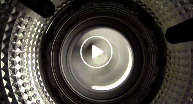 Veja Como Centrifuga Uma Máquina De Lavar Roupa, O Resultado Parece Uma Viagem Ao Futuro