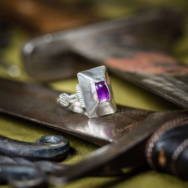 Silver ring with amethyst made according to the exhibit from National Museum in Budapest. Era: 12th century