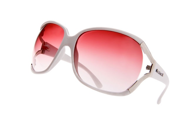 Unique metal and plastic bug-eye frame. Most popular girl's sunglasses.  Hip Hop from Fastrack     http://www.fastrack.in/product/p152pk3f/?filter=yes=hiphop=1=895=2495=2