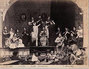 Café cantante, en Sevilla, hacia el año 1888. Fotografía de Emilio Beauchy.