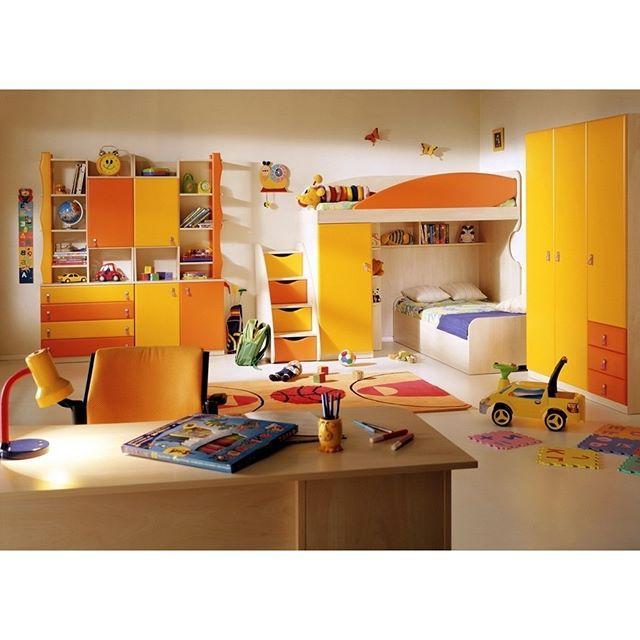 Яркая оранжевая детская #детскаякомната #яркаядетская #оранжевыйцветдетской #мебельдлядетской #детскаямебель