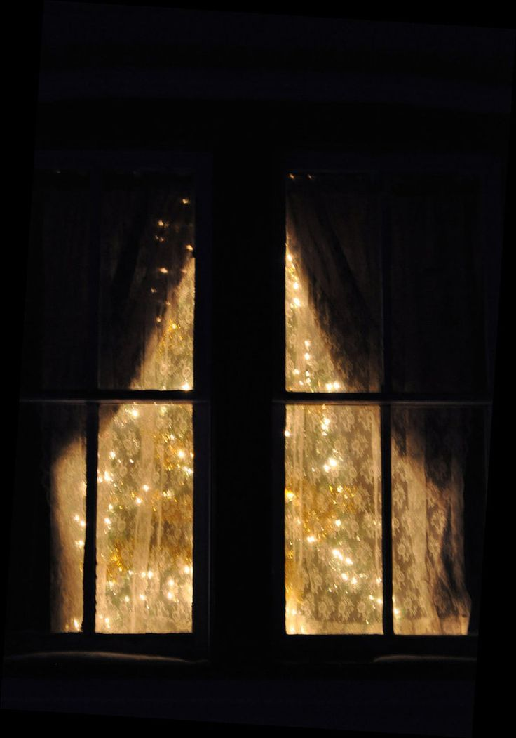 Картинка окна со светом