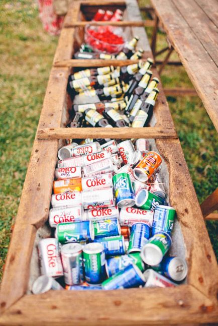 this would be a super cool DIY drink cooler that would fit with the rustic wedding look