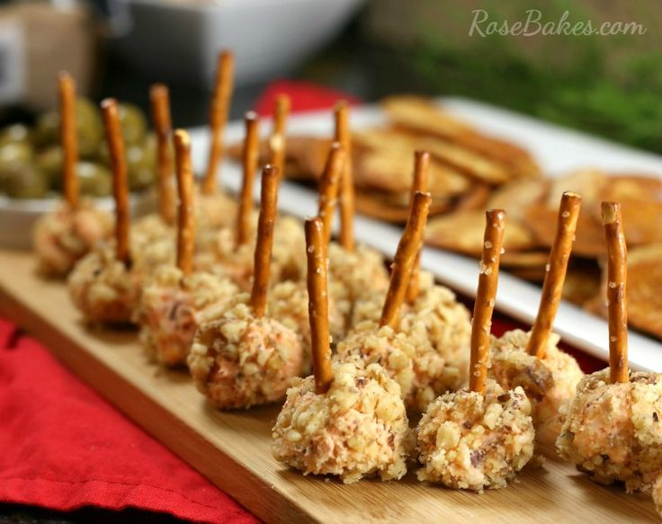 Cheese & Bacon Mini Cheese Ball Bites. These easy appetizers combine ...