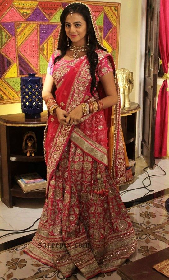 """Helly shah aka Swara in saree in """"Swaragini"""" colors TV serial. The 20 years old actress was gorgeous in traditional half saree at her sangeet ceremony in t"""