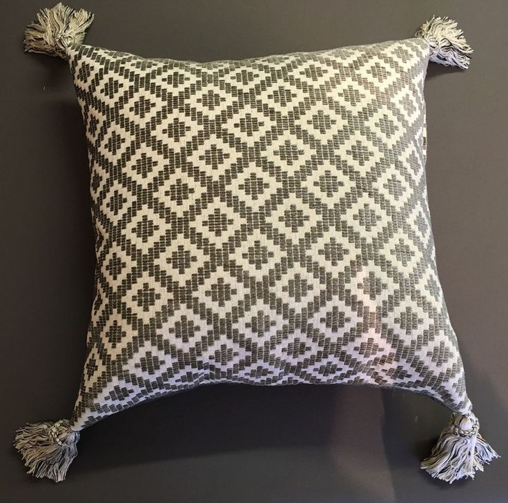 18 cushion Covers In Grey/cream Chenille