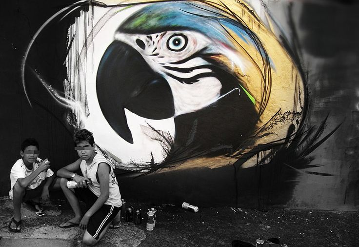 Luis Seven Martins, going by the L7m nickname, merges nature with urban art in his beautiful series of graffiti birds 6 graffiti-birds-street-art-L7m