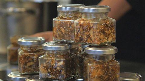 I Zeinas berömda fikonmarmelad ingår följande ingredienser. Men eftersom receptet är hemligt så finns inga proportioner. Prova dig gärna fram!