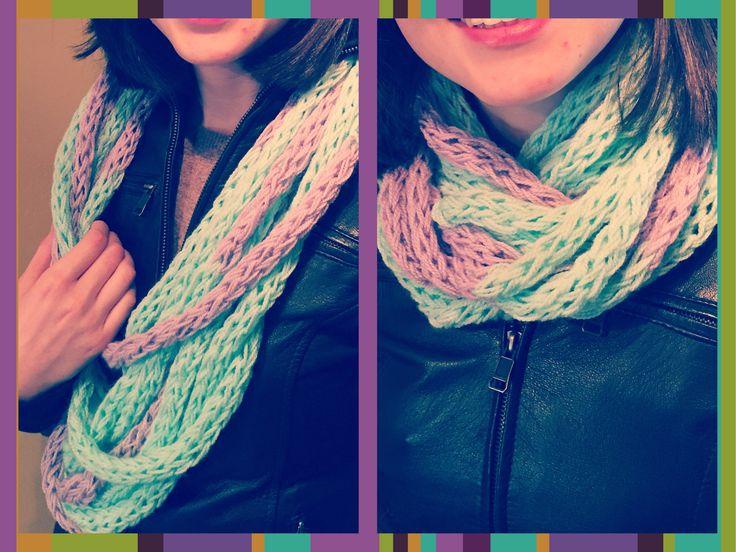 Nueva bufanda infinita tubular a #crochet Úsala en días frescos o en los más fríos y dale un nuevo estilo a tu look!  Disponible en los colores que prefieras. Info en lanitasycrochet@gmail.com - whatsapp 3003983512